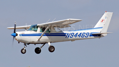 A picture of N94469 - Cessna 152 - [15285683] - © Andrew Brescini