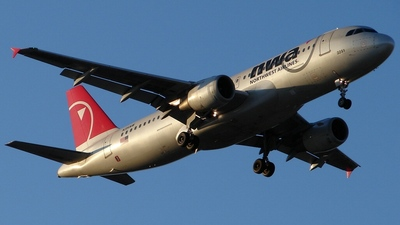 N351NW - Airbus A320-212 - Northwest Airlines