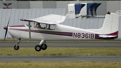 A picture of N8163B - Cessna 172 Skyhawk - [29963] - © Derek Scott