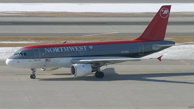 N338NB - Airbus A319-114 - Northwest Airlines