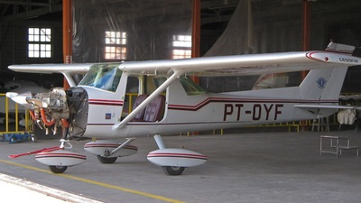 PT-OYF - Cessna 150L - Private