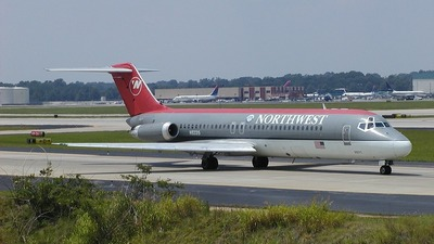 N9335 - McDonnell Douglas DC-9-31 - Northwest Airlines