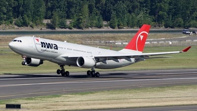N852NW - Airbus A330-223 - Northwest Airlines