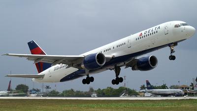 N602DL - Boeing 757-232 - Delta Air Lines