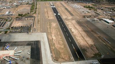 KABQ - Airport - Runway