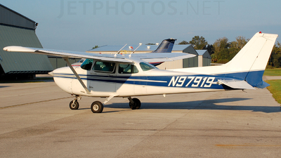 A picture of N97919 - Cessna 172P Skyhawk - [17276239] - © JustinPistone