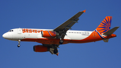 VT-EYL - Airbus A320-231 - Indian Airlines