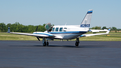 A picture of N62869 - Piper PA31350 - [317652145] - © Nick Michaud