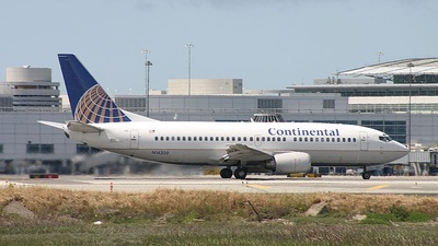 N14320 - Boeing 737-3T0 - Continental Airlines