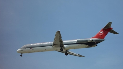 N779NC - McDonnell Douglas DC-9-51 - Northwest Airlines