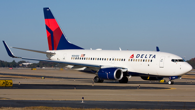 N304DQ - Boeing 737-732 - Delta Air Lines
