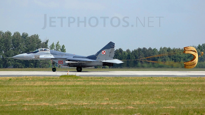 105 - Mikoyan-Gurevich MiG-29A Fulcrum A - Poland - Air Force
