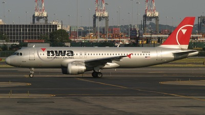 N324US - Airbus A320-211 - Northwest Airlines