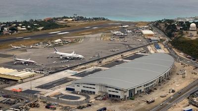TNCM - Airport - Terminal