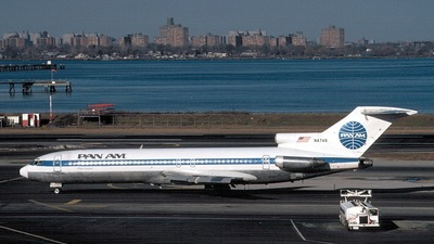 N4746 - Boeing 727-235 - Pan Am