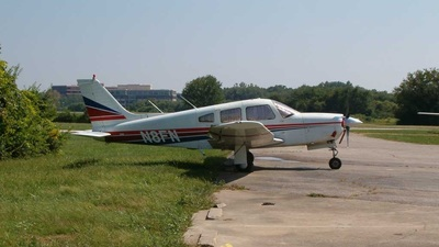 A picture of N8FN - Piper PA28R201 - [28R7837272] - © ChicagoBob