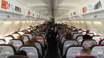 LN-KHB - Boeing 737-31S - Norwegian