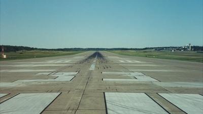 KBGR - Airport - Runway