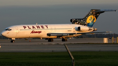 A picture of N894AA -  - [22010] - © Rich Barth