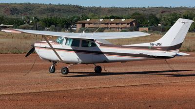 A picture of VHJPN - Cessna R182 Skylane RG - [R18201828] - © Simon Coates