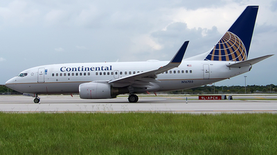 N16703 - Boeing 737-724 - Continental Airlines