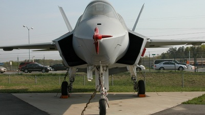 300 - Lockheed Martin X-35C Joint Strike Fighter - United States - US Navy (USN)