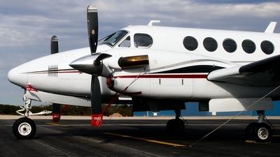 N40RA - Beechcraft 200 Super King Air - Private