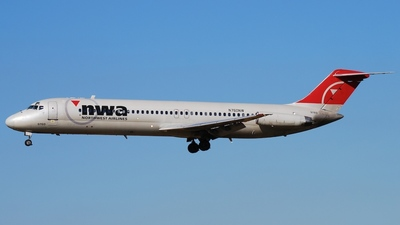 N760NW - McDonnell Douglas DC-9-41 - Delta Air Lines