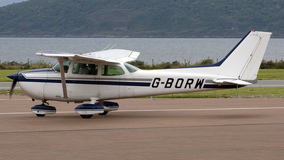 A picture of GBORW - Cessna 172P Skyhawk - [17274301] - © peter adams