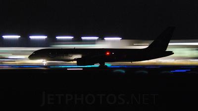 - Boeing 757-251 - Northwest Airlines