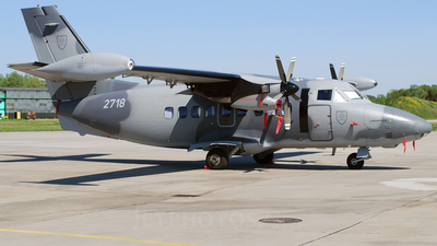 2718 - Let L-410UVP-E20 Turbolet - Slovakia - Air Force