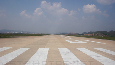 ZUGY - Airport - Runway