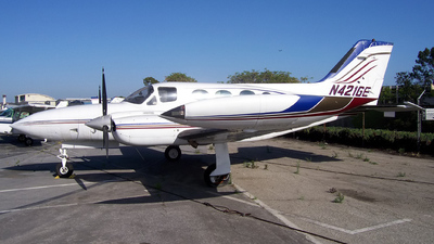 A picture of N421GE - Cessna 421B - [421B0109] - © Derin