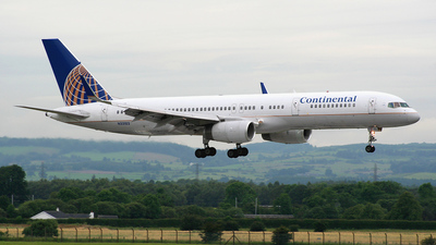 N33103 - Boeing 757-224 - Continental Airlines