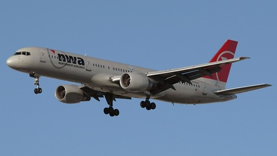 N520US - Boeing 757-251 - Northwest Airlines