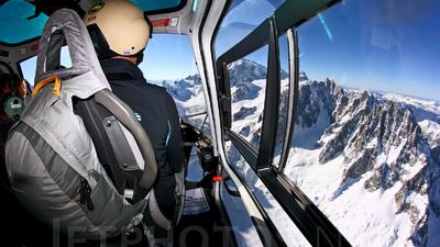 F-HFBI - Aérospatiale AS 350B3 Ecureuil - Chamonix Mont Blanc Helicoptères (CMBH)