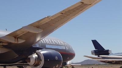 N205UA - Boeing 777-222(ER) - United Airlines