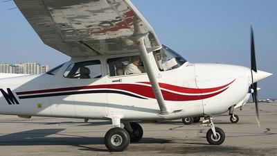 A picture of CFJPM - Cessna 172S Skyhawk SP - [172S8502] - © Ian Duke