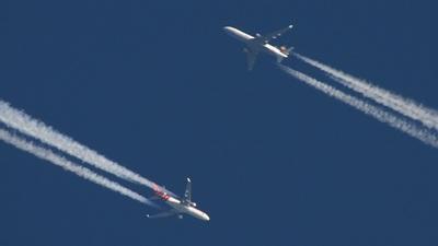 - McDonnell Douglas MD-11(CF) - Martinair