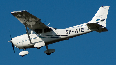 SP-WIE - Cessna 172S Skyhawk SP - Private