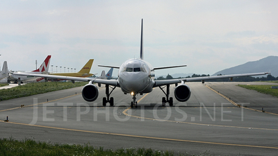 YL-LCF - Airbus A320-212 - Travel Service (SmartLynx Airlines)