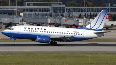 N932UA - Boeing 737-522 - United Airlines