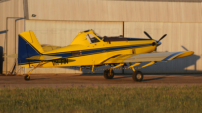 VH-FIN - Air Tractor AT-502 - Private