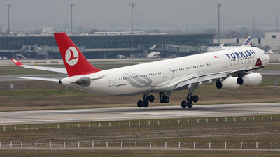 TC-JDJ - Airbus A340-311 - Turkish Airlines