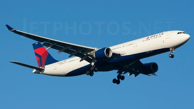 N810NW - Airbus A330-323 - Delta Air Lines