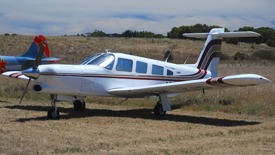 A picture of VHXID - Piper PA32RT300T - [32R7887038] - © Brett Pulford