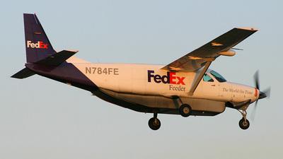 A picture of N784FE - Cessna 208B Super Cargomaster - FedEx - © Bruce Leibowitz