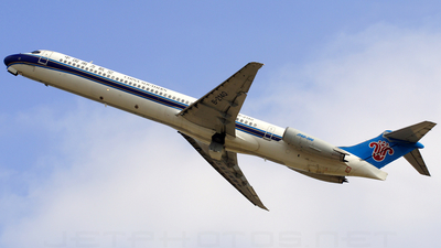 B-2140 - McDonnell Douglas MD-82 - China Southern Airlines