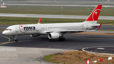 N537US - Boeing 757-251 - Northwest Airlines