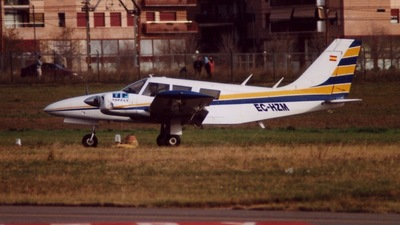 EC-HZM - Piper PA-34-200 Seneca - Top Fly